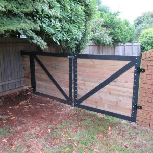 custom made aluminium farm gates modern black steel finigan wright fabrication steel southern highlands steel fabrication metal fabrication robertson nsw